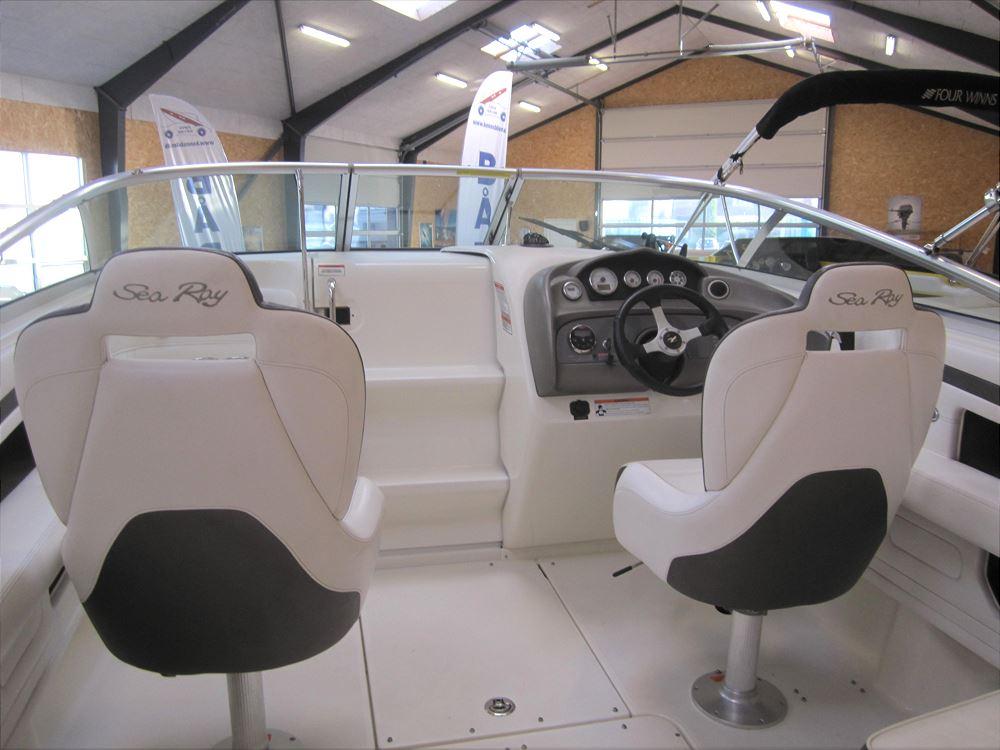 Sea Ray 240 Sunsport Motorbåd