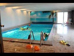 16 personers pool hus
