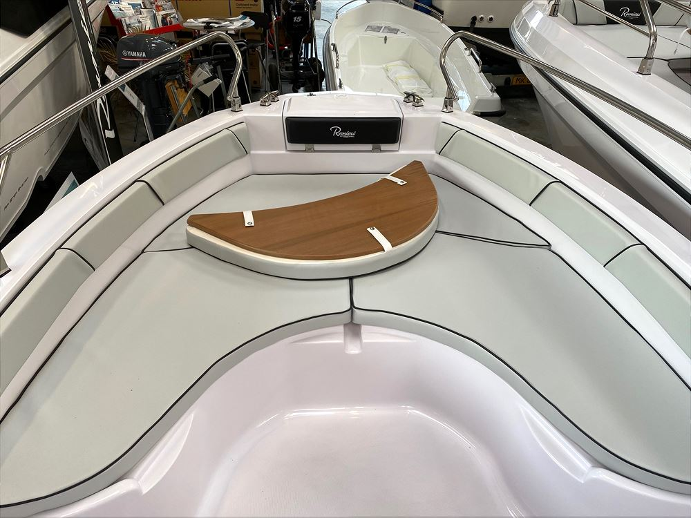 Ranieri Voyager 18S