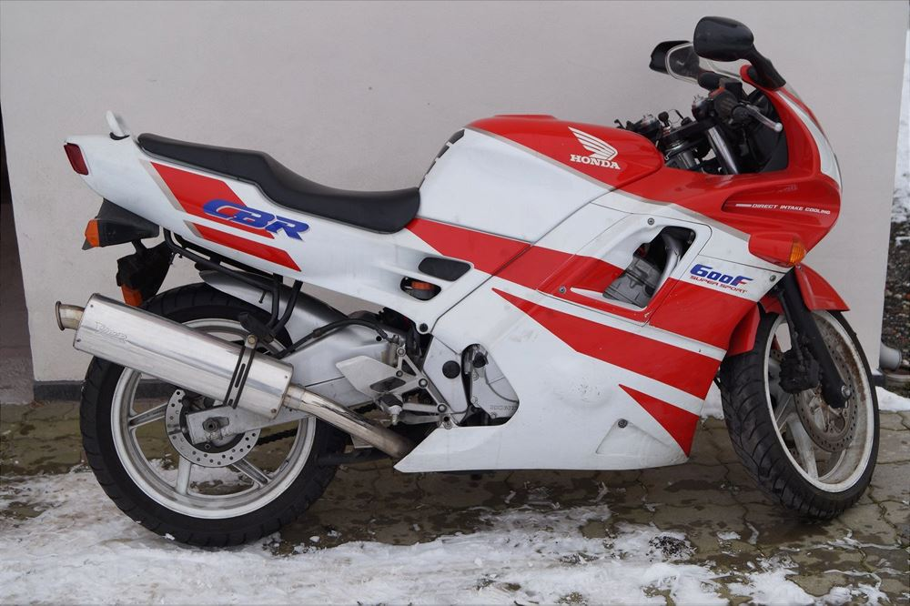 HONDA CBR 600 F HONDA CBR 600 F