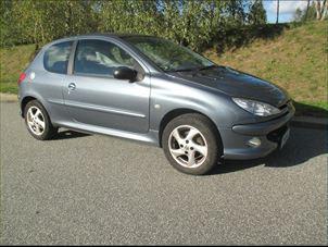 Billede 1: Peugeot2061,6 S16