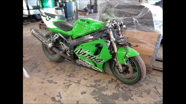 MOTORCYKEL MOTORCYKEL KAWASAKI 700