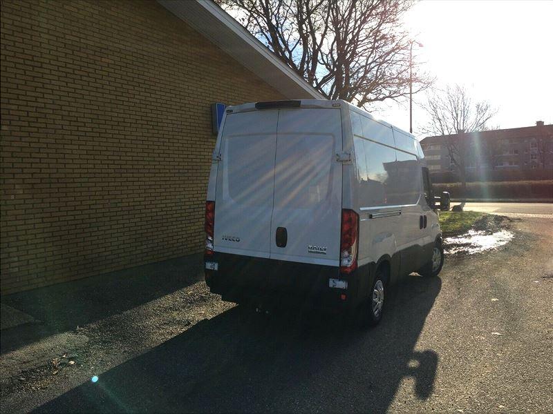 Billede 3: IvecoDaily2,3 35S12 10,8m³ Van AG8